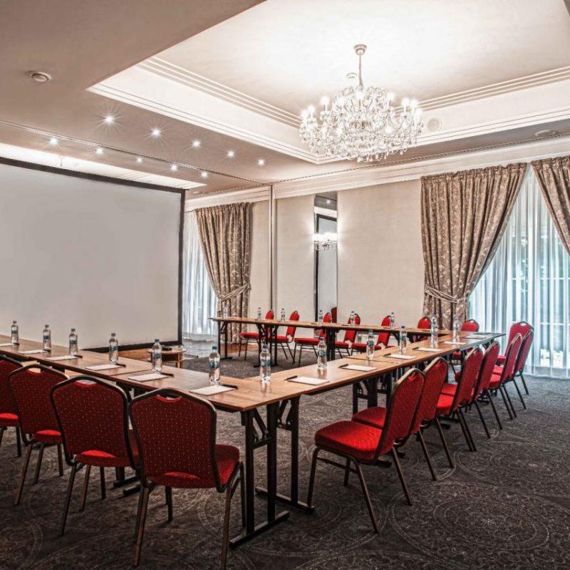 hotel-lamberton-sala-perlowa-slub-pokoje-warsztaty-hotel-pod-warszawa-oltarzew-nocleg-biznes-konferencje-hdr17_low