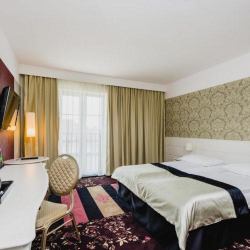 hotel-lamberton-wesele-slub-pokoje-warszawa-oltarzew-nocleg-biznes-konferencje-DOC_5025