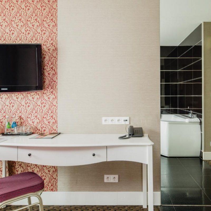 hotel-lamberton-wesele-slub-pokoje-warszawa-oltarzew-nocleg-biznes-konferencje-DOC_5083