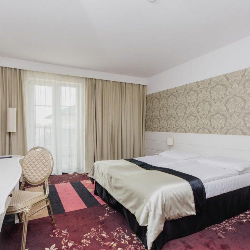 hotel-lamberton-wesele-slub-pokoje-warszawa-oltarzew-nocleg-biznes-konferencje-DOC_5102