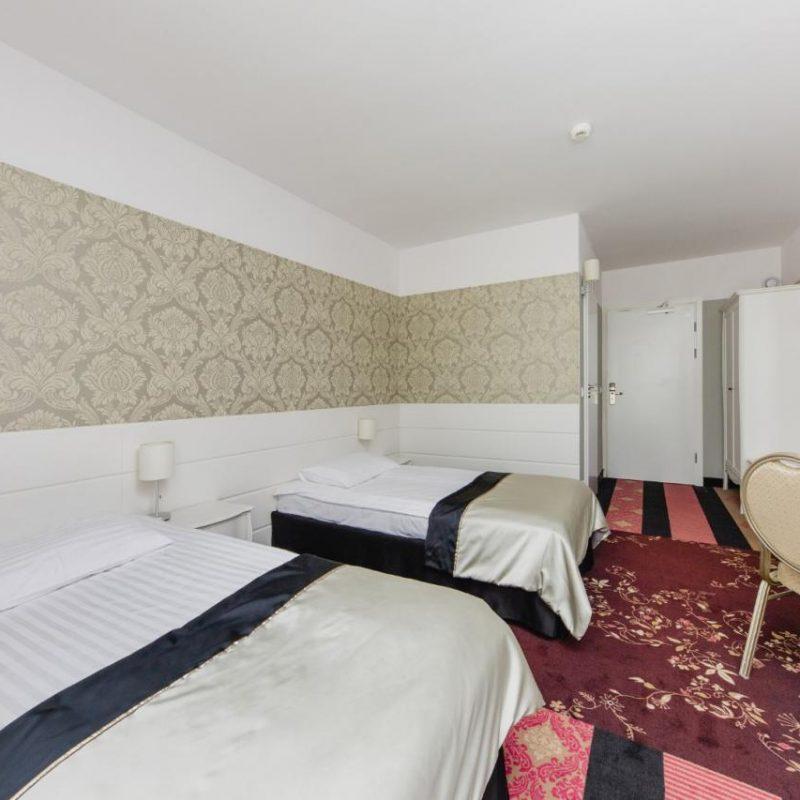 hotel-lamberton-wesele-slub-pokoje-warszawa-oltarzew-nocleg-biznes-konferencje-DOC_5127