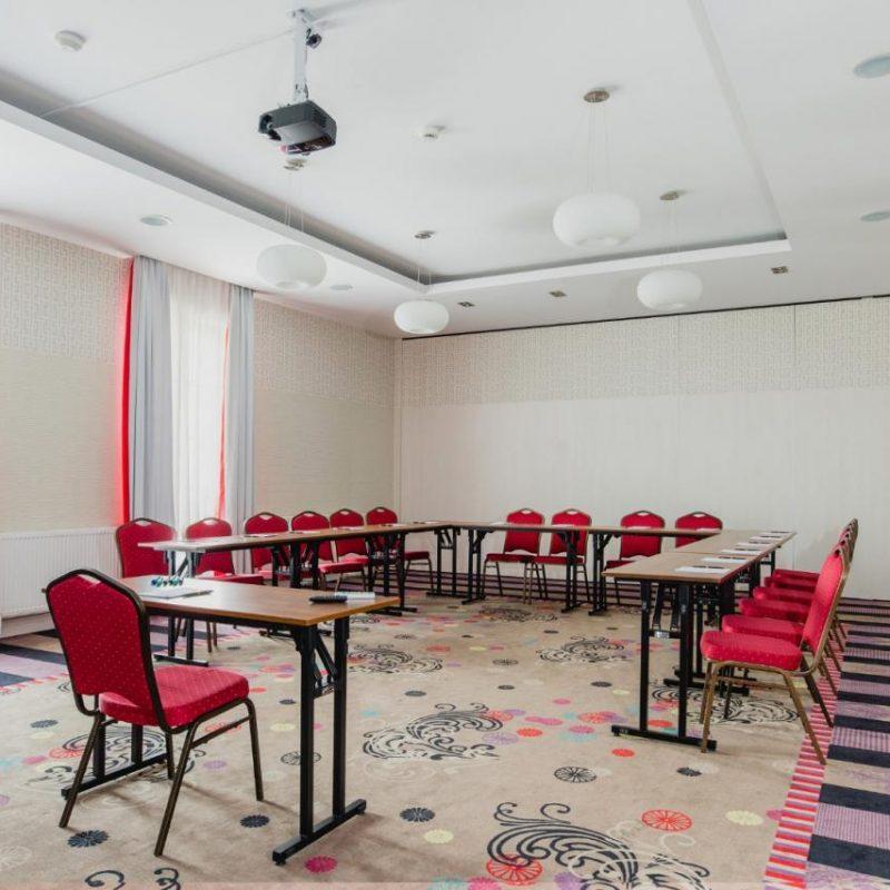 hotel-lamberton-wesele-slub-pokoje-warszawa-oltarzew-nocleg-biznes-konferencje-DOC_5163