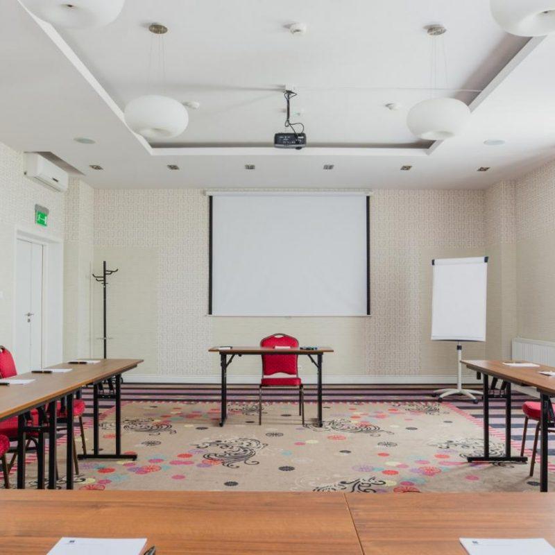 hotel-lamberton-wesele-slub-pokoje-warszawa-oltarzew-nocleg-biznes-konferencje-DOC_5170